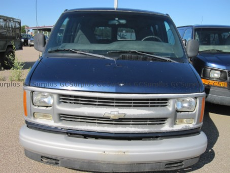 Picture of 2002 Chevrolet Express
