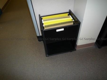 Photo de 5 petits meubles classe-dossie