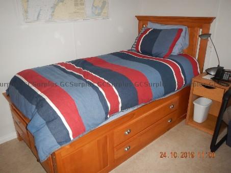 Photo de 2 Bases de lits en bois d'érab