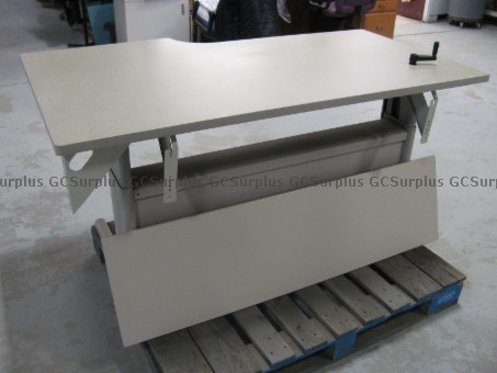 Picture of Adjustable Tables
