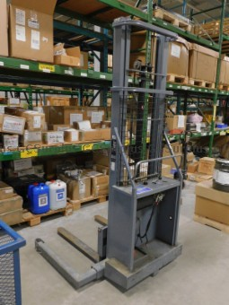 Picture of Blue Giant Electric Lift Palle