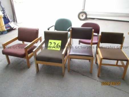 Picture of Lot of 6 Chairs