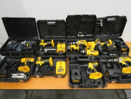 Photo de Lot d'outils variés