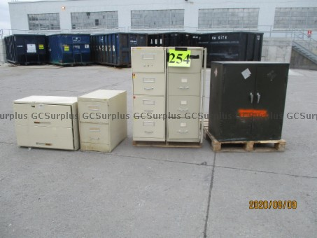 Picture of Lot of 5 Filing Cabinets