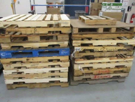 Picture of Lot of Scrap Wood (Pallets and