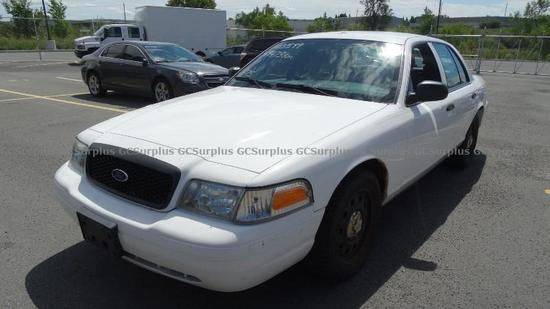 Picture of 2011 Ford Crown Victoria