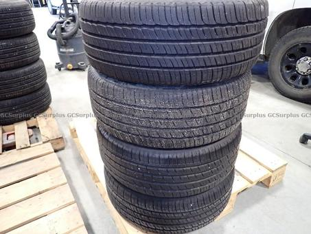 Picture of Michelin Primacy MXM4 Tires P2