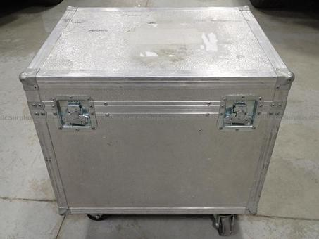Picture of Aluminum Storage Case on Wheel